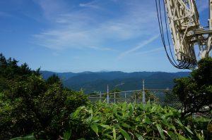 はるか彼方に見えるのが、伯耆富士と言われる大山。